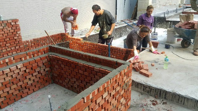 涼亭座椅砌磚